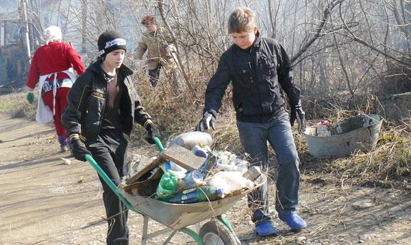 Вывоз мусора после субботника в Перми и Пермском крае