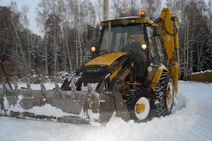 Как заказать трактор для чистки снега в Перми